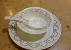 陶瓷餐具图片
