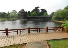 公园池塘图片