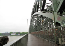 莱茵河的铁路桥图片