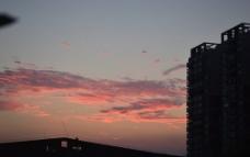 火红的云图片