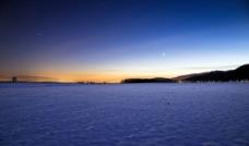 大海山峰美丽景色图片