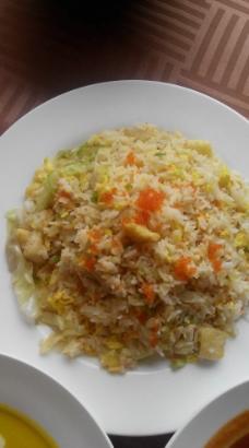 银鳕鱼蟹子炒饭图片