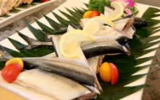 秋刀鱼图片