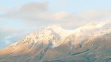 冰雪覆盖的黄昏股票视频山 视频免费下载