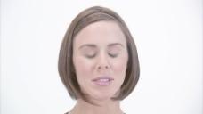 女人吃惊又兴奋的股票视频 视频免费下载