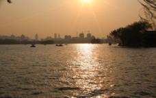 明湖泛舟图片