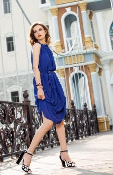 女装女鞋广告图片