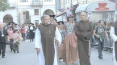 意大利节日牧师游行接近股票的录像