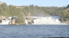 莱茵瀑布和过往的小船2股票的录像
