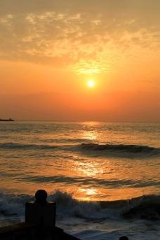 辉煌的海上日出图片