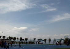 体育场上的天空图片