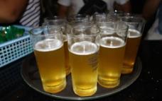 原浆啤酒图片