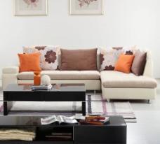 简单沙发背景墙