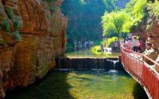 黑龙潭瀑布图片