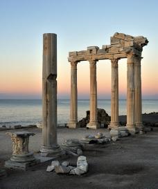 日出阿波罗神庙图片